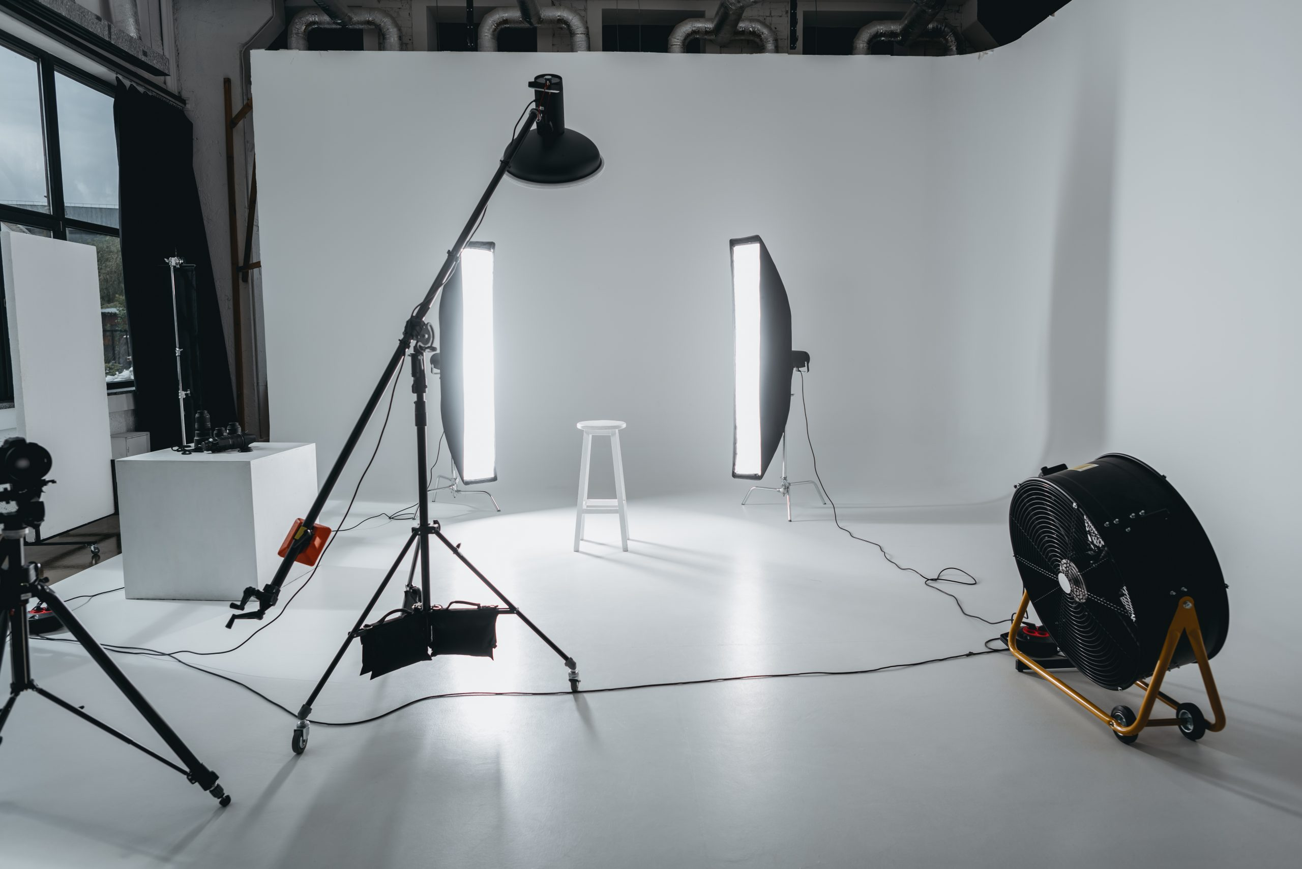 home photography studio setup - lighting equipment