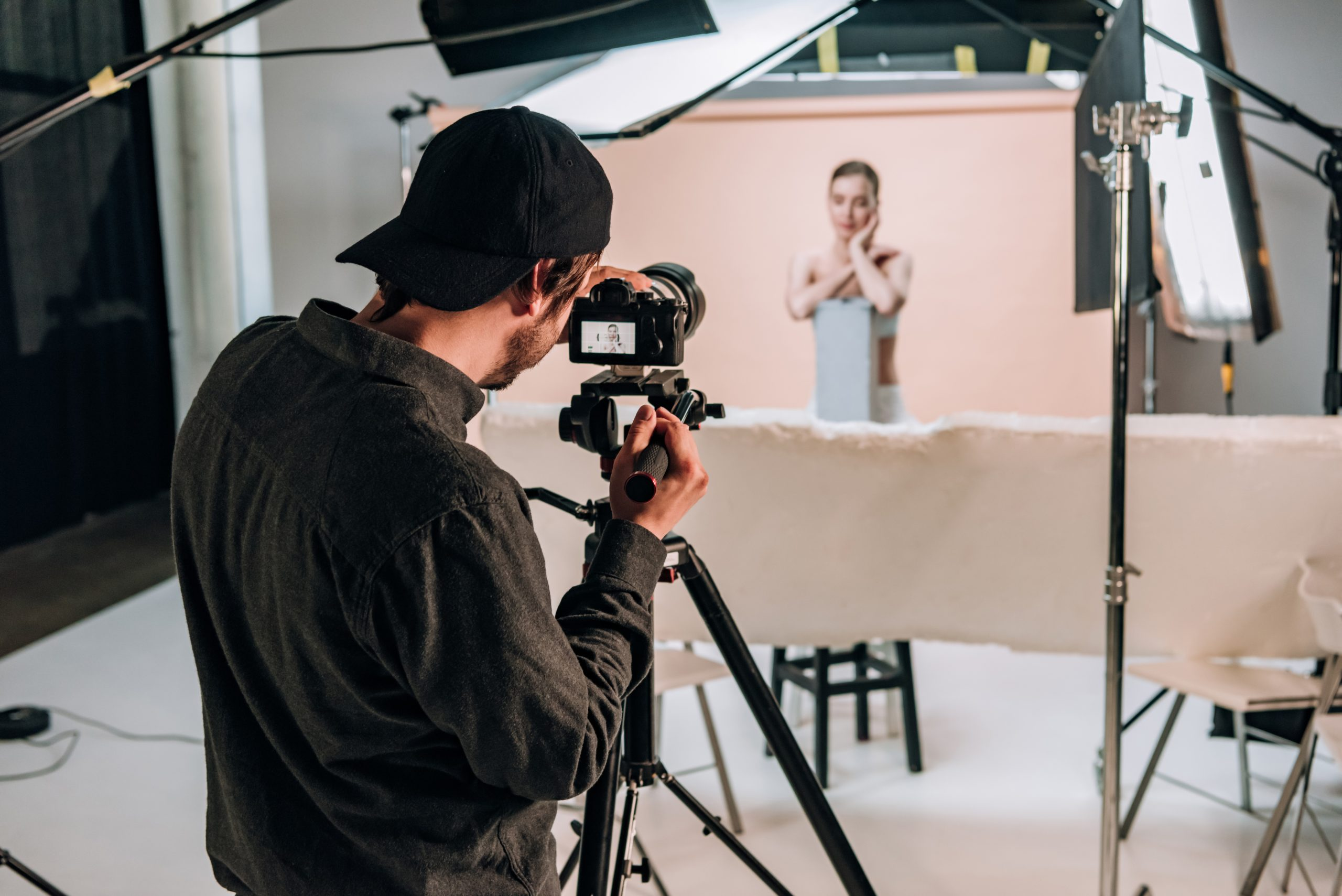 ways how to create a professional photo studio at home