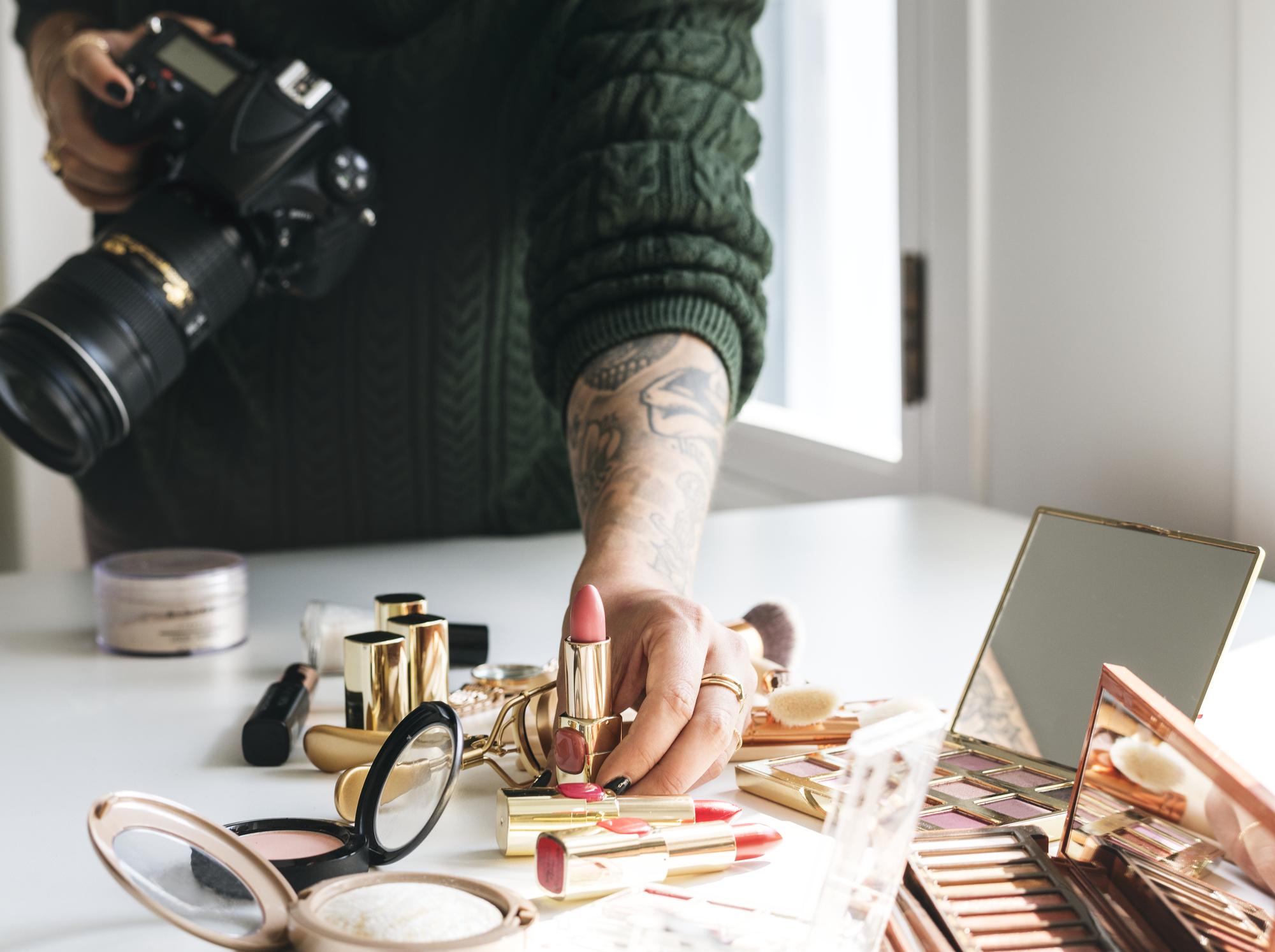 macro photography beauty blogger taking photo of cosmetics